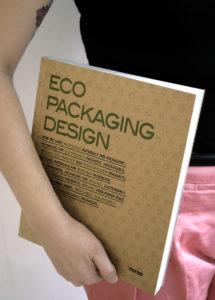 Llibre de referència sobre disseny de packaging sostenible.